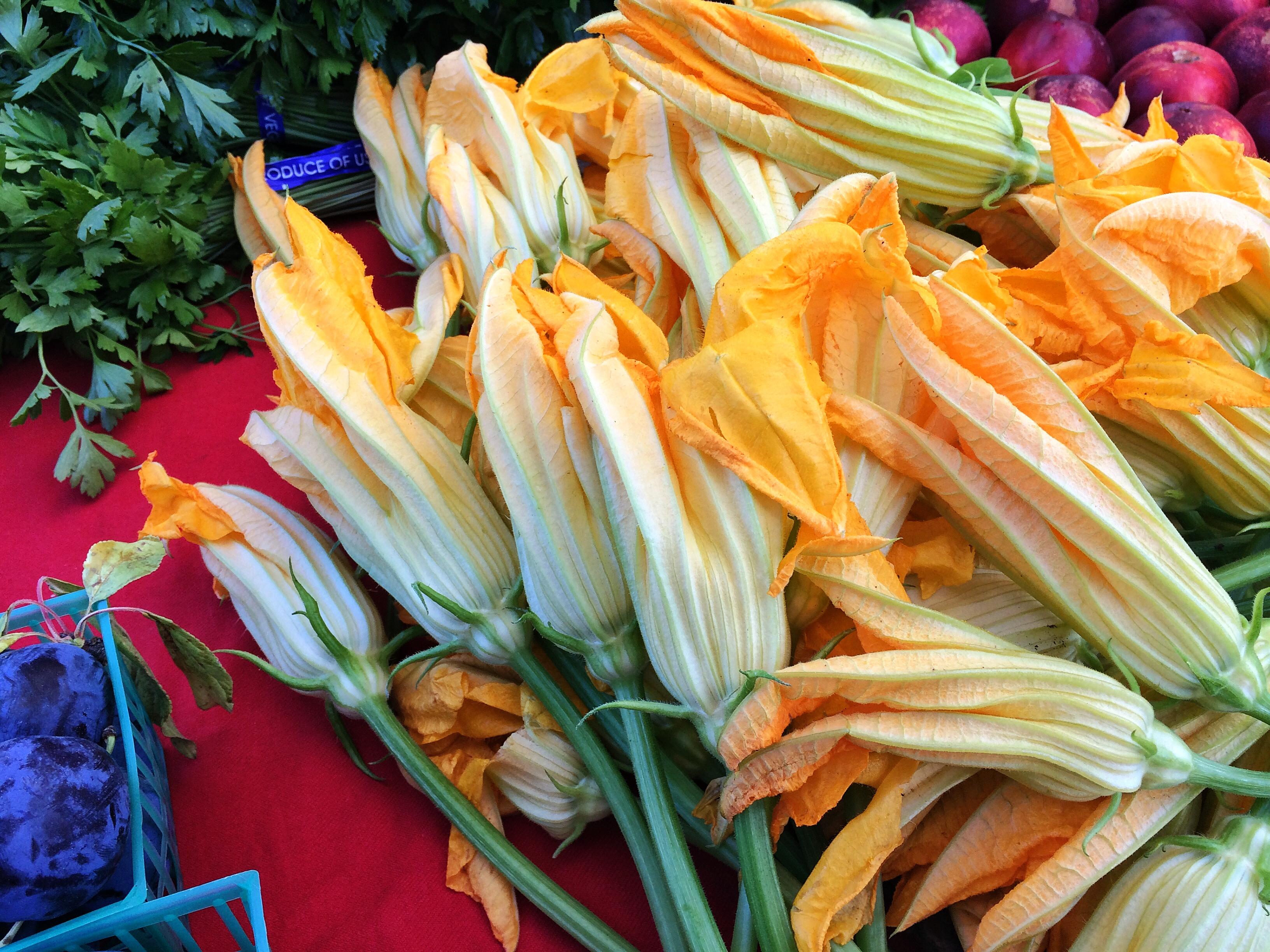 San Rafael's Thursday Farmers Market in July